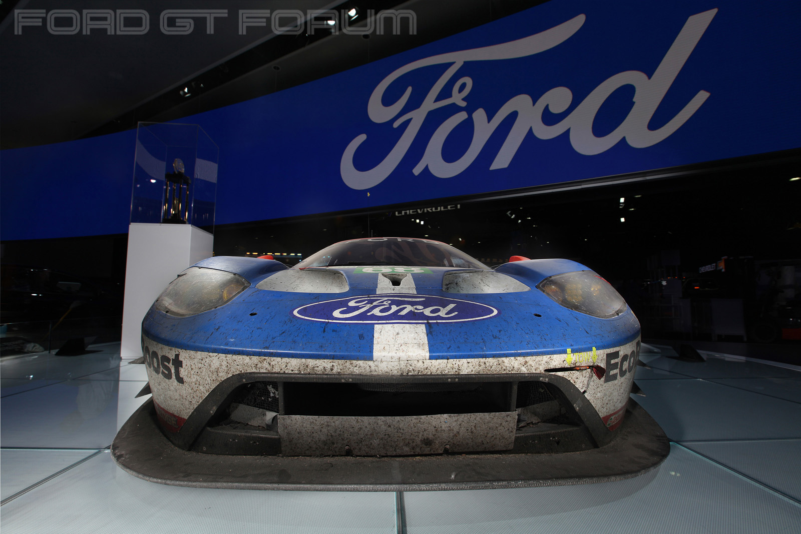 Ford-GT-LM-GTE-Autoshow-3000-Lighting-1