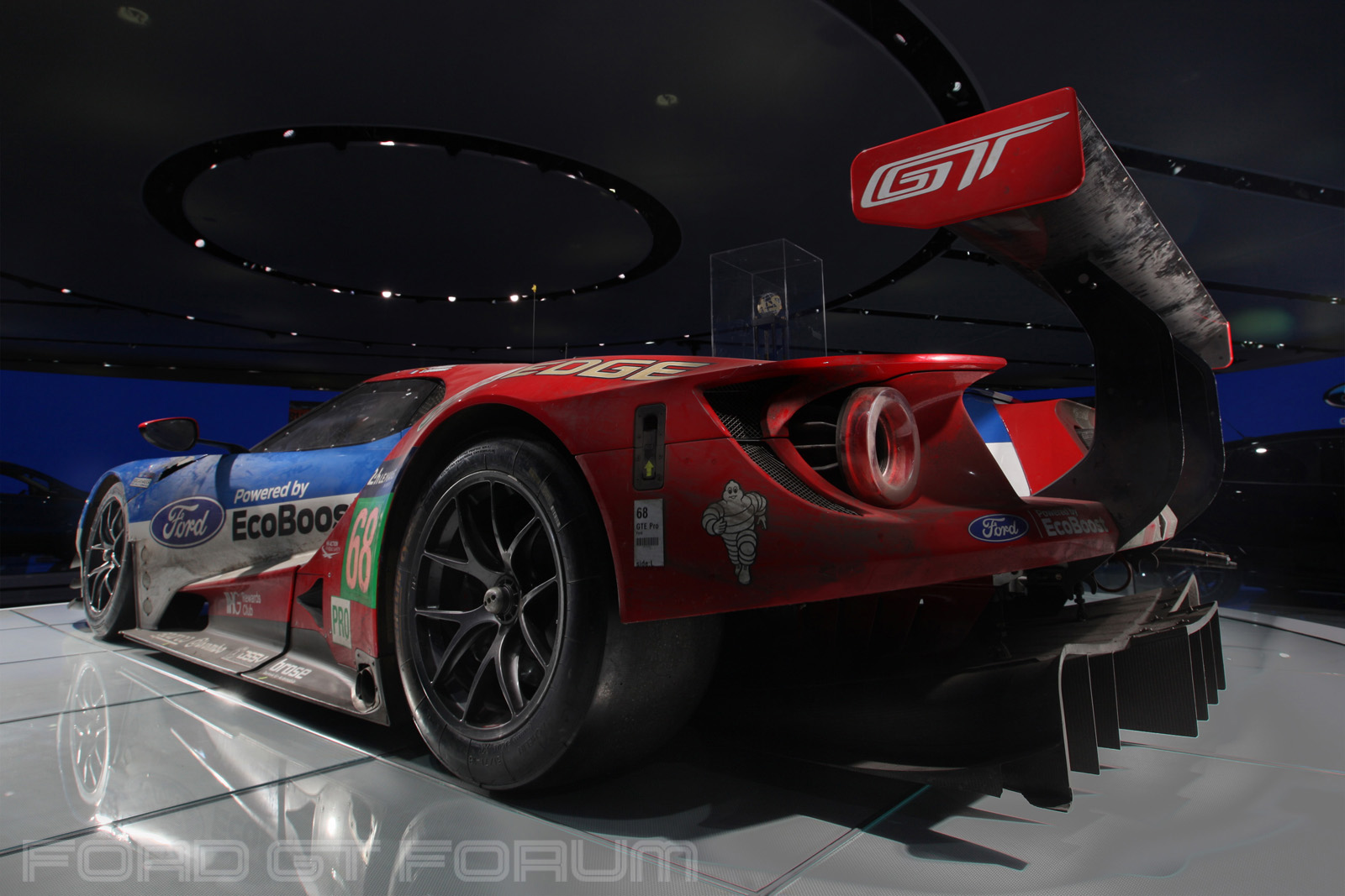 Ford-GT-LM-GTE-Autoshow-3000-Lighting-2