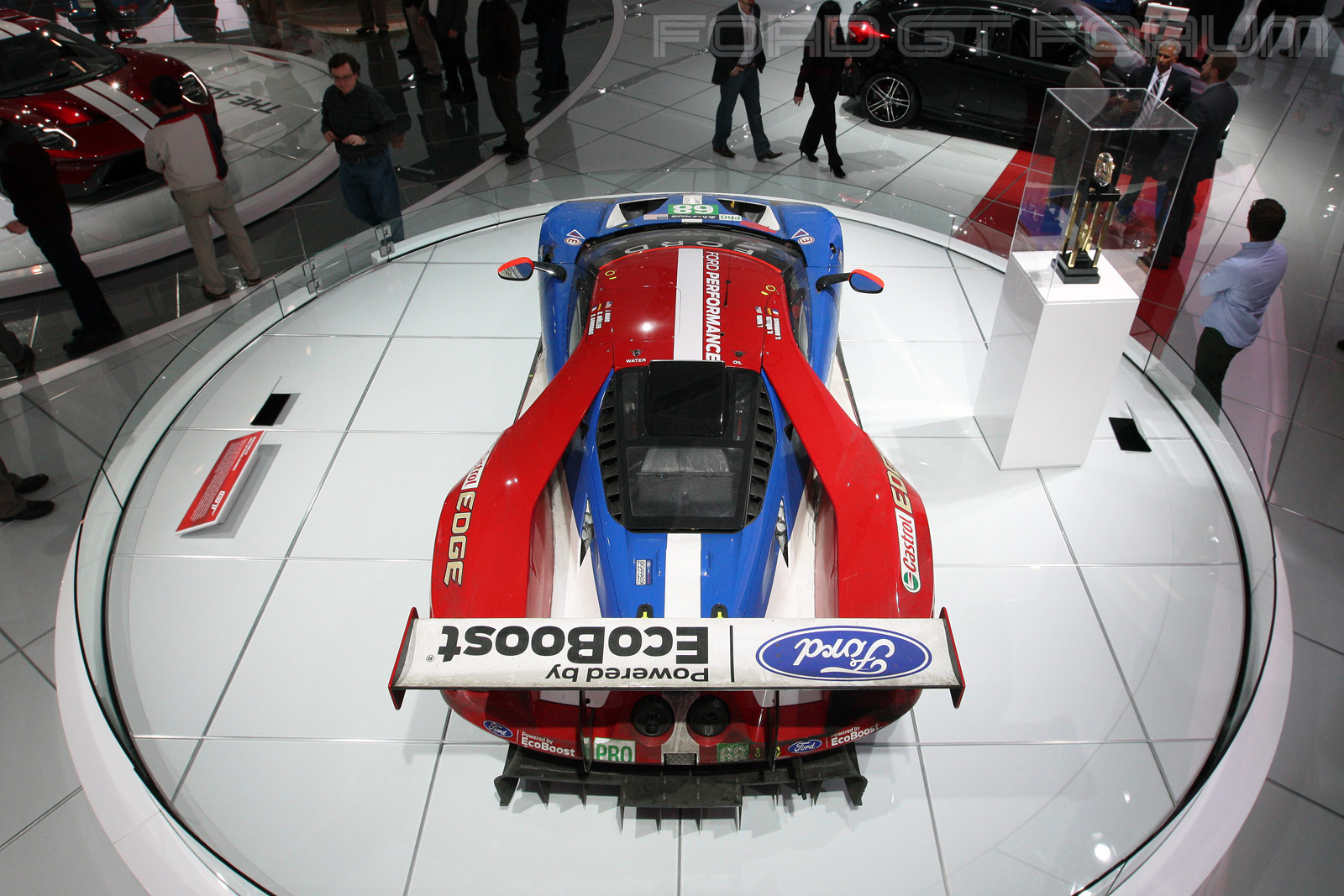 Ford-GT-LM-GTE-Autoshow-3000-1