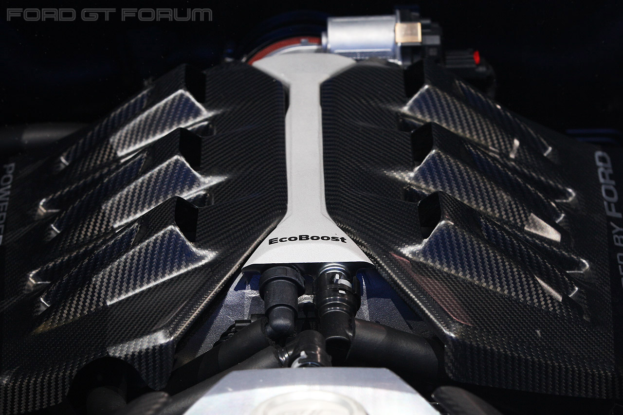 Ford-Gt-engine-cover-2